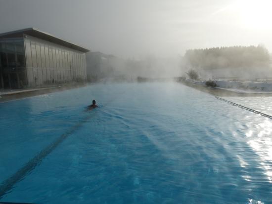 Geinberg, Österreich: Sportbecken im Winter