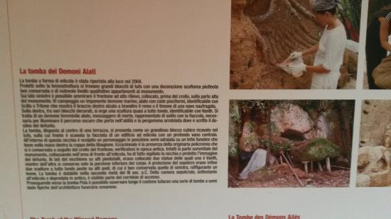 Sovana, Italia: demoni alati informazioni