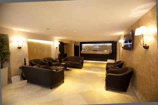 Grand laleli hotel istanbul turkiet omd men och for Istanbul family suites laleli