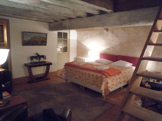 La Maison Tupinier : La Chambre Avec Mezzanine Pour Un Troisième Couchage