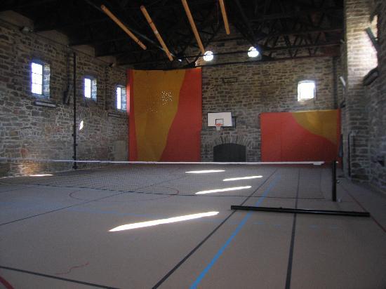 Pansky dum a Pyramida: Sportovní hala