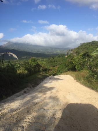 Hotel Santa Fe: road to waterfall hike