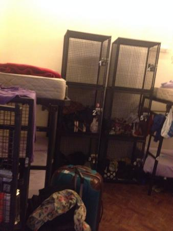 Milhouse Avenue: Lockers - Quarto feminino