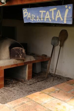 Gaujan, França: four à pain du baratataï