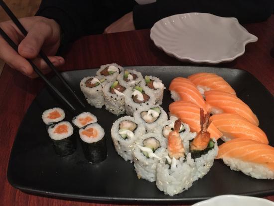 Picture of koi sushi noodle bar london for Koi sushi aix