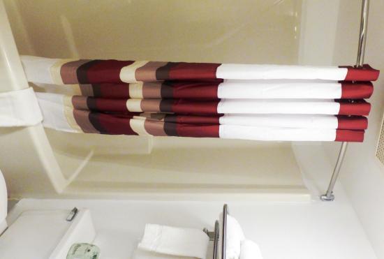 Uhrichsville, OH: Bathroom