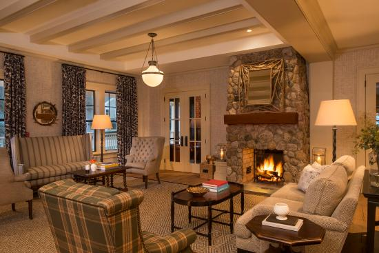 The equinox golf resort spa updated 2017 prices for The family room vermont