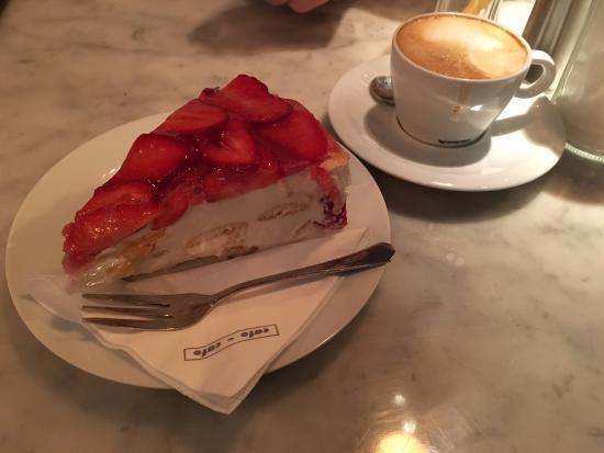 Kuchen Und Kaffee Bild Von Cafe Cafe Prag Tripadvisor