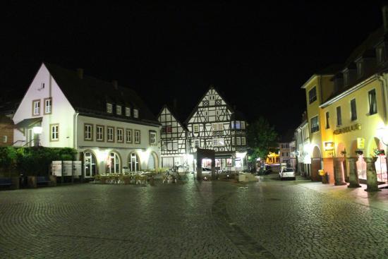 Annweiler am Trifels, Almanya: Marktplatz