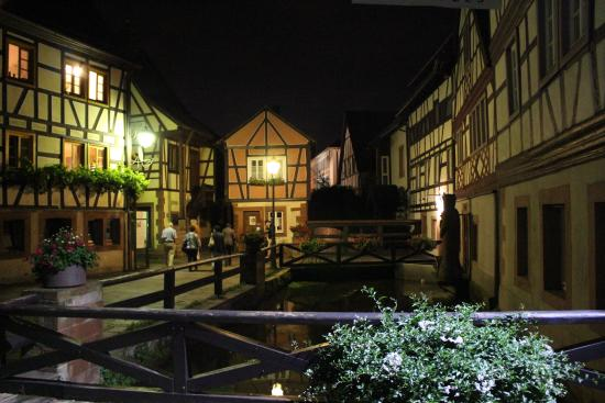 Annweiler am Trifels, Almanya: Wassergasse