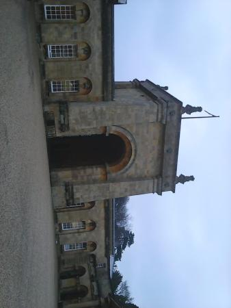 Blenheim Palace: One more outside view from front gate