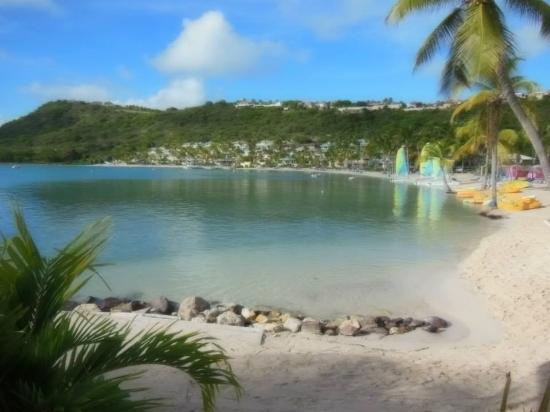 St. James's Club: Lagoon Beach side