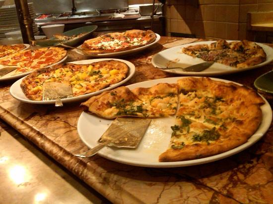 pizza picture of the buffet at bellagio las vegas tripadvisor rh tripadvisor com