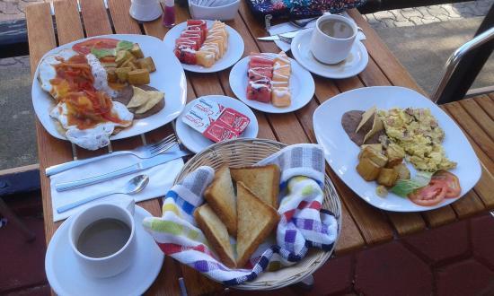Hotel Vista Caribe: El desayuno de cada mañana, delicioso!