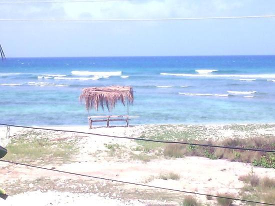 ذا آيلاندرز إن: View to the beach