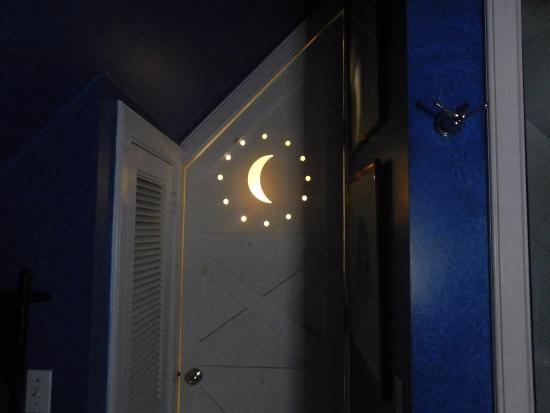 Porches on the Towpath: Moon and Stars on Bathroom Door!! :)