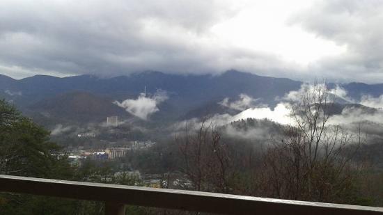 The Highlands Condominium: room view