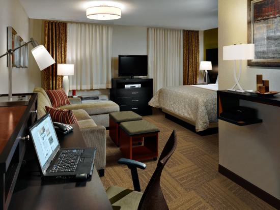 Studio Suite at Staybridge Suites Eau Claire Altoona