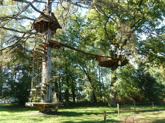Domaine De Poiseuil : Cabane perchée