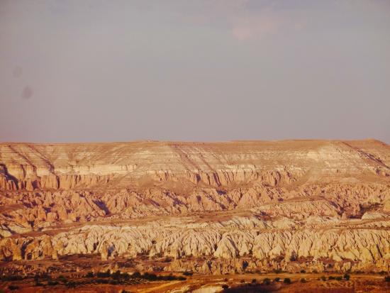 ローズ色に染まるRed Valley