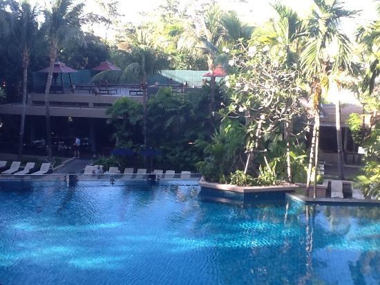 Avista Phuket Resort & Spa: Poolområdet