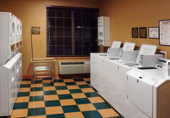 Larkspur Landing Roseville: Complimentary Laundry