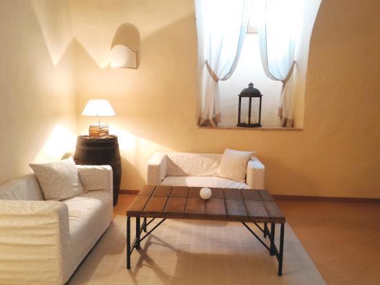 Convento di Santa Croce: living room