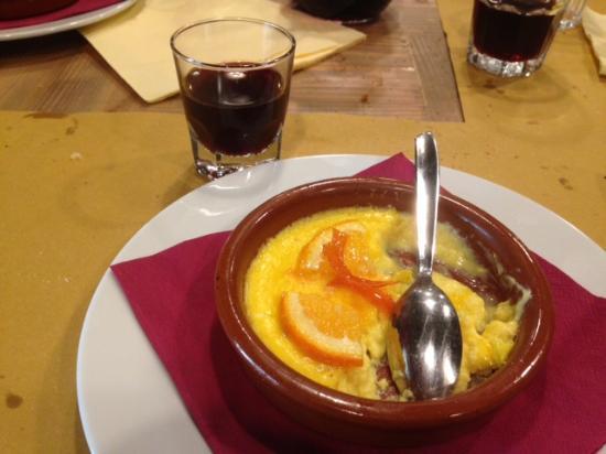 Vernio, Włochy: Omelette per ruffiani e prostitute con scorza d'arancia