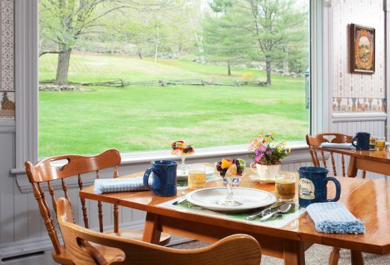 Inn on Golden Pond: Dining room