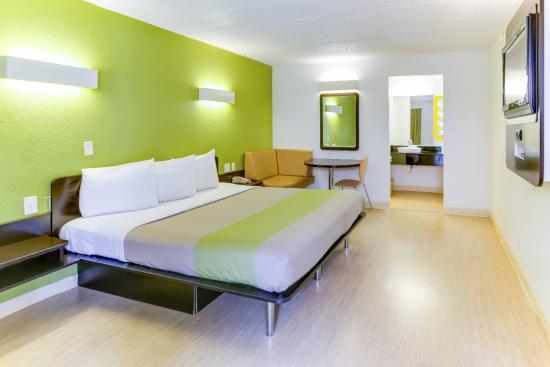 Motel 6 Houston West- Energy Corridor: Guest Room