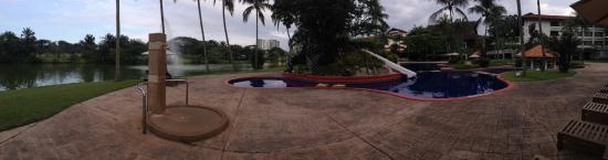 Saujana Golf & Country Club: Pool area