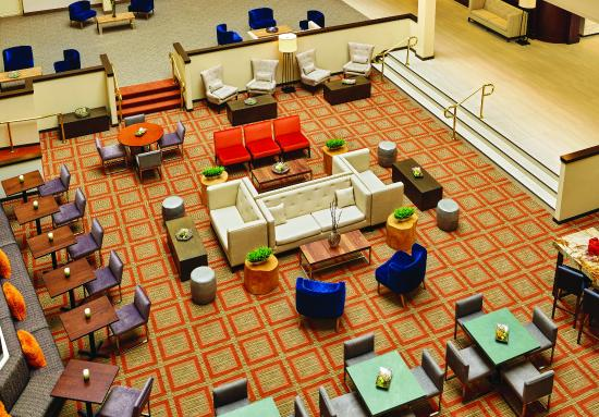 DoubleTree Suites by Hilton Hotel Philadelphia West: Lobby