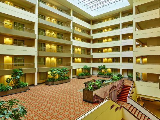 DoubleTree Suites by Hilton Hotel Philadelphia West: Terrace
