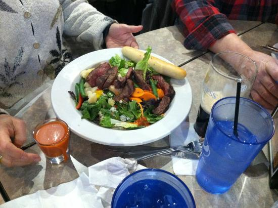 Franklin, WI: Beef and Bleu Cheese Salad