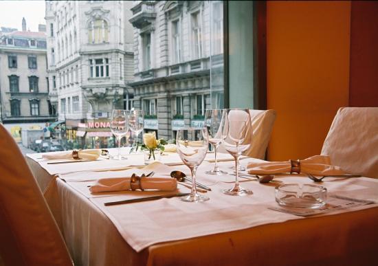 Yohm: Blick vom Restaurant auf Peterskirche
