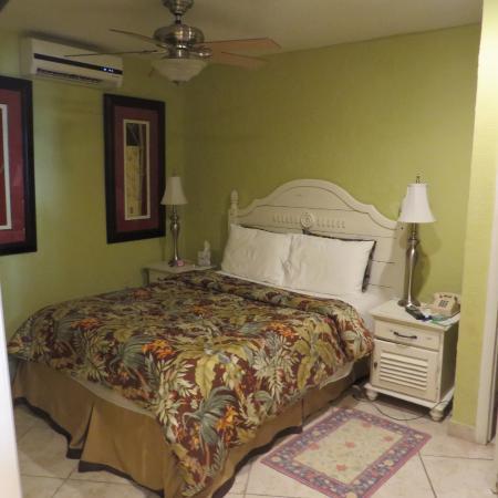 Sunrise Beach Clubs and Villas: bedroom
