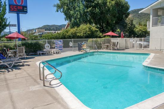 Ukiah, Californië: Pool