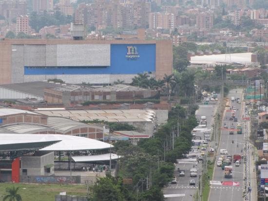 Mayorca Mega Plaza: Via de acceso