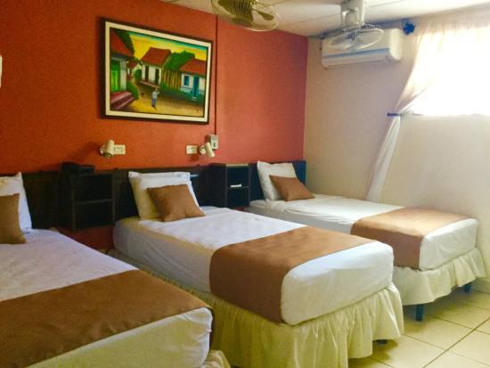 Hotel Los Cisneros