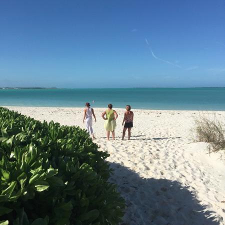 Bahama Beach Club: beach right outside our rental