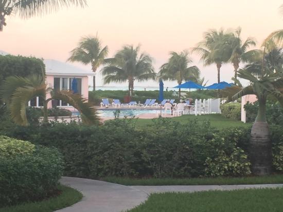 Bahama Beach Club: grounds and pol area