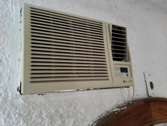 Maya Caribe Hotel: schimmlige Klimaanlage - sofort ausmachen!