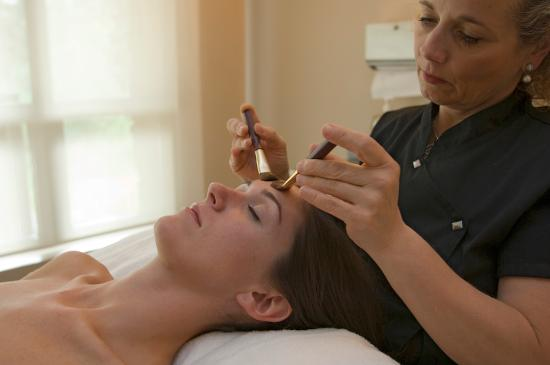 Vail Mountain Lodge: Our Spa offers facials