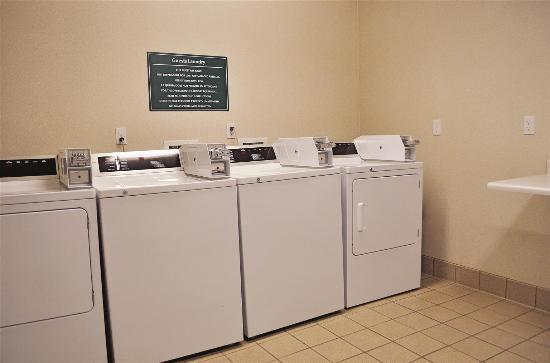 La Quinta Inn & Suites Modesto Salida: laundry