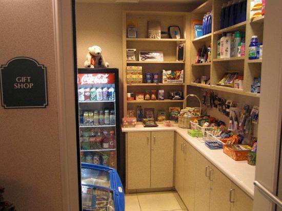 La Quinta Inn & Suites Modesto Salida: pantry