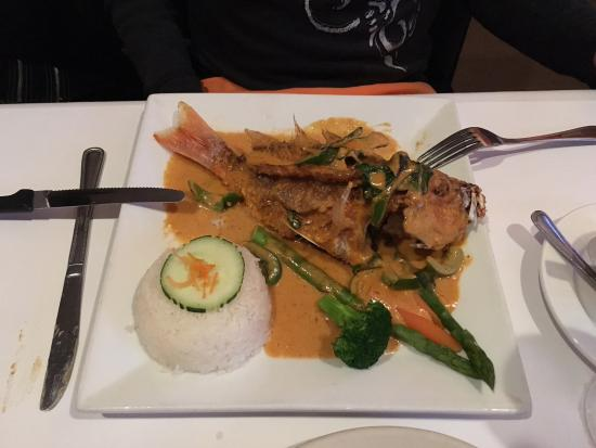 Buddha Thai Bistro : whole red snapper