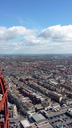 La torre y el circo de Blackpool: You can see for miles.