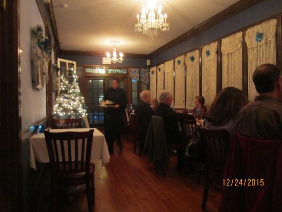 the blue rose inn restaurant porch dining room
