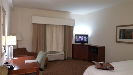 Hampton Inn Hickory: King Bed Room