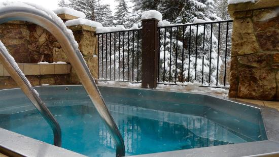 Vail Mountain Lodge: Outdoor Hot Tubs